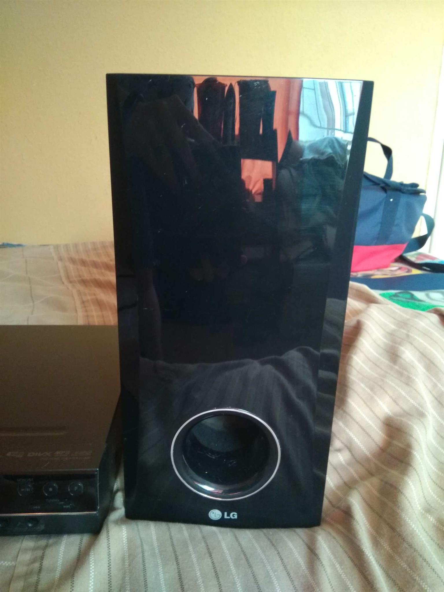 LG Home Theater - DVD Player, Mp3, DivX, etc.