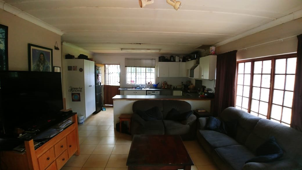Small Holding For Sale in Zesfontein A H