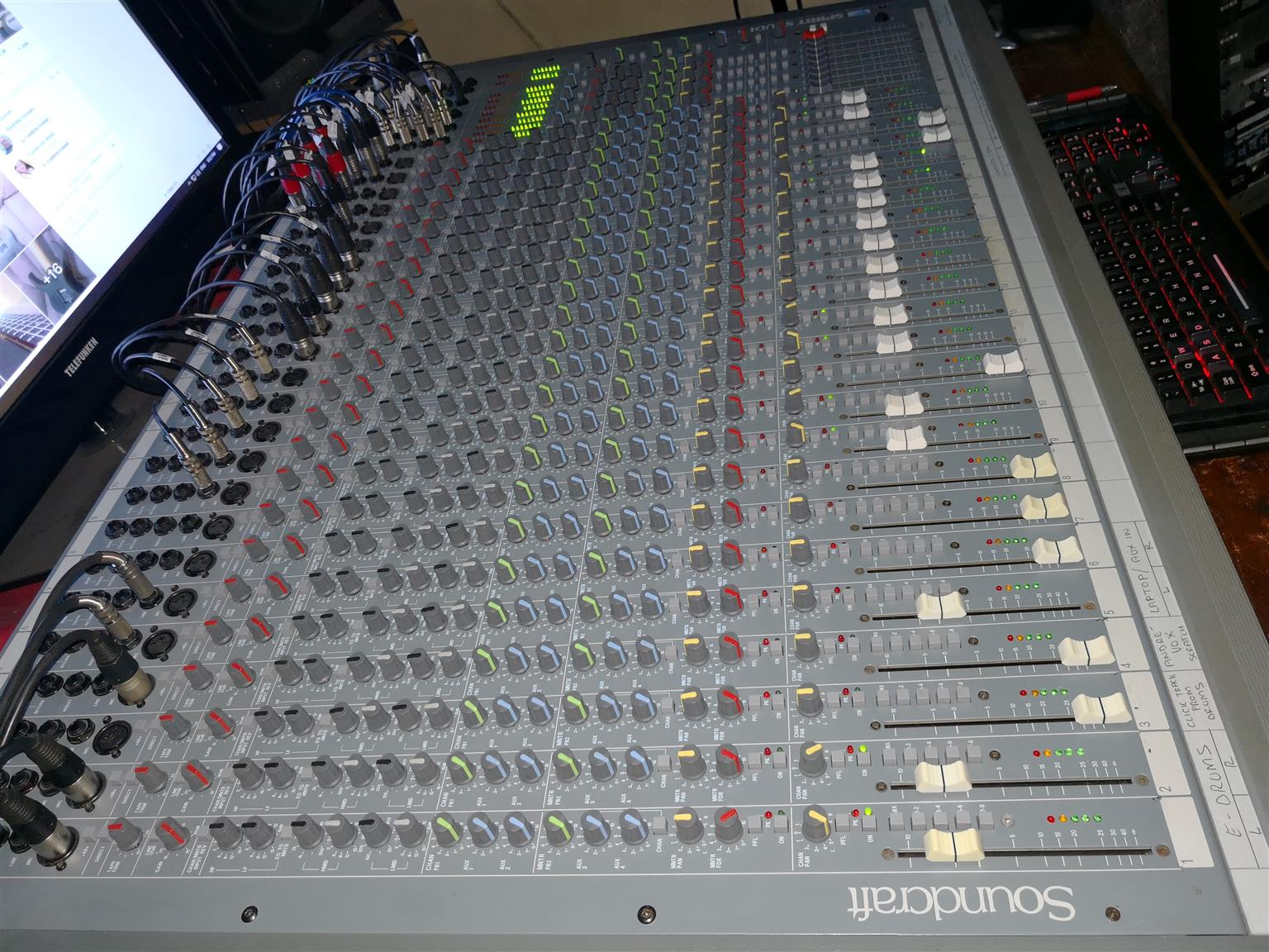 Soundcraft Spirit Studio Mixing Console