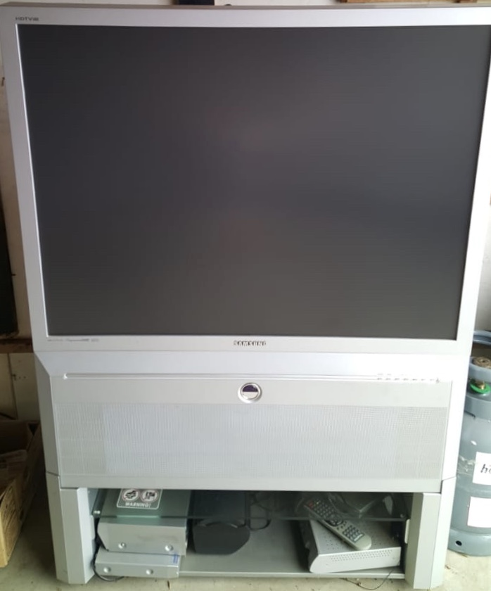 Rear projection TV for sale