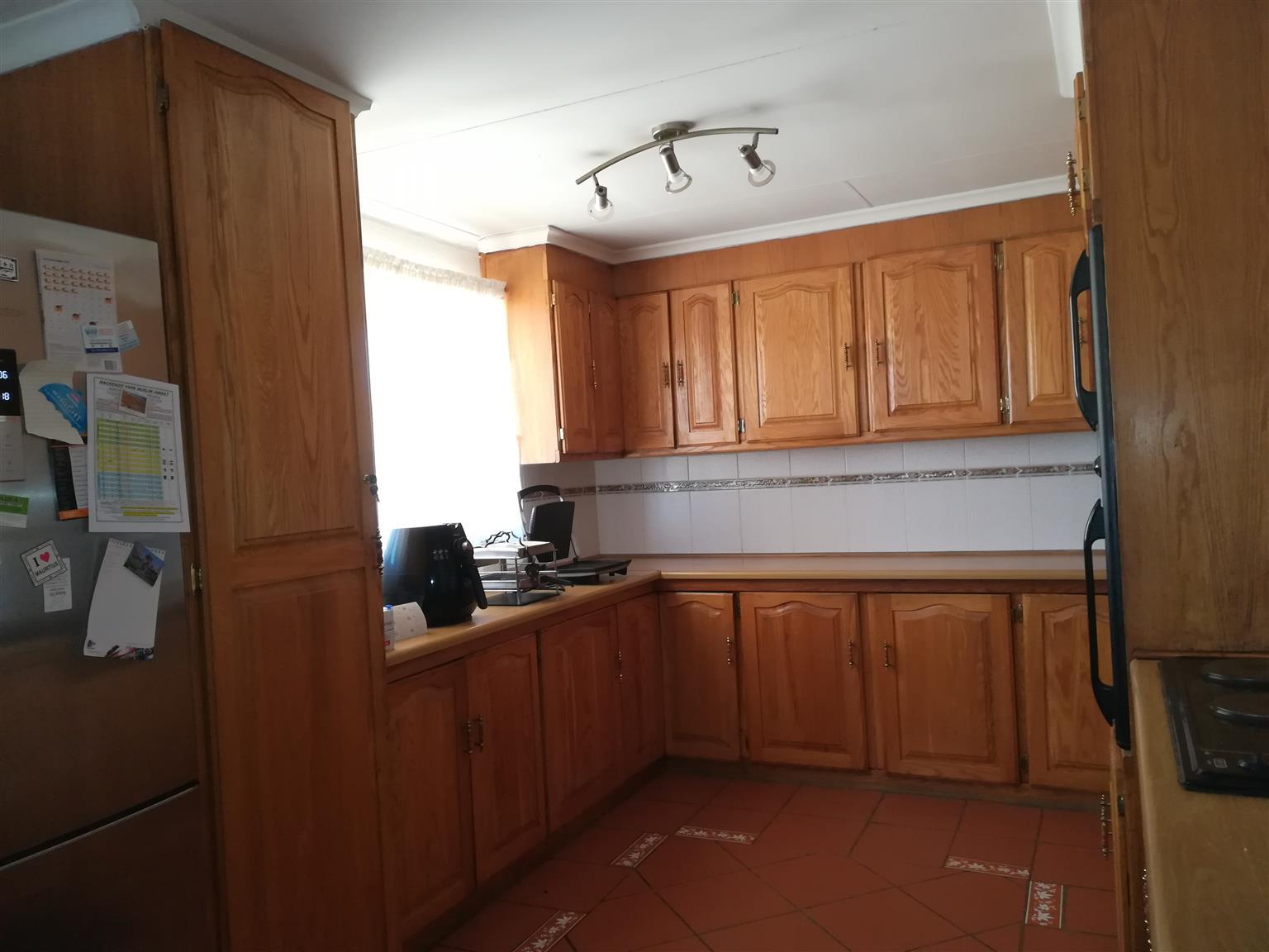 oak kitchen cupboards for sale junk mail rh junkmail co za wooden kitchen cupboards images wooden kitchen cupboards for sale