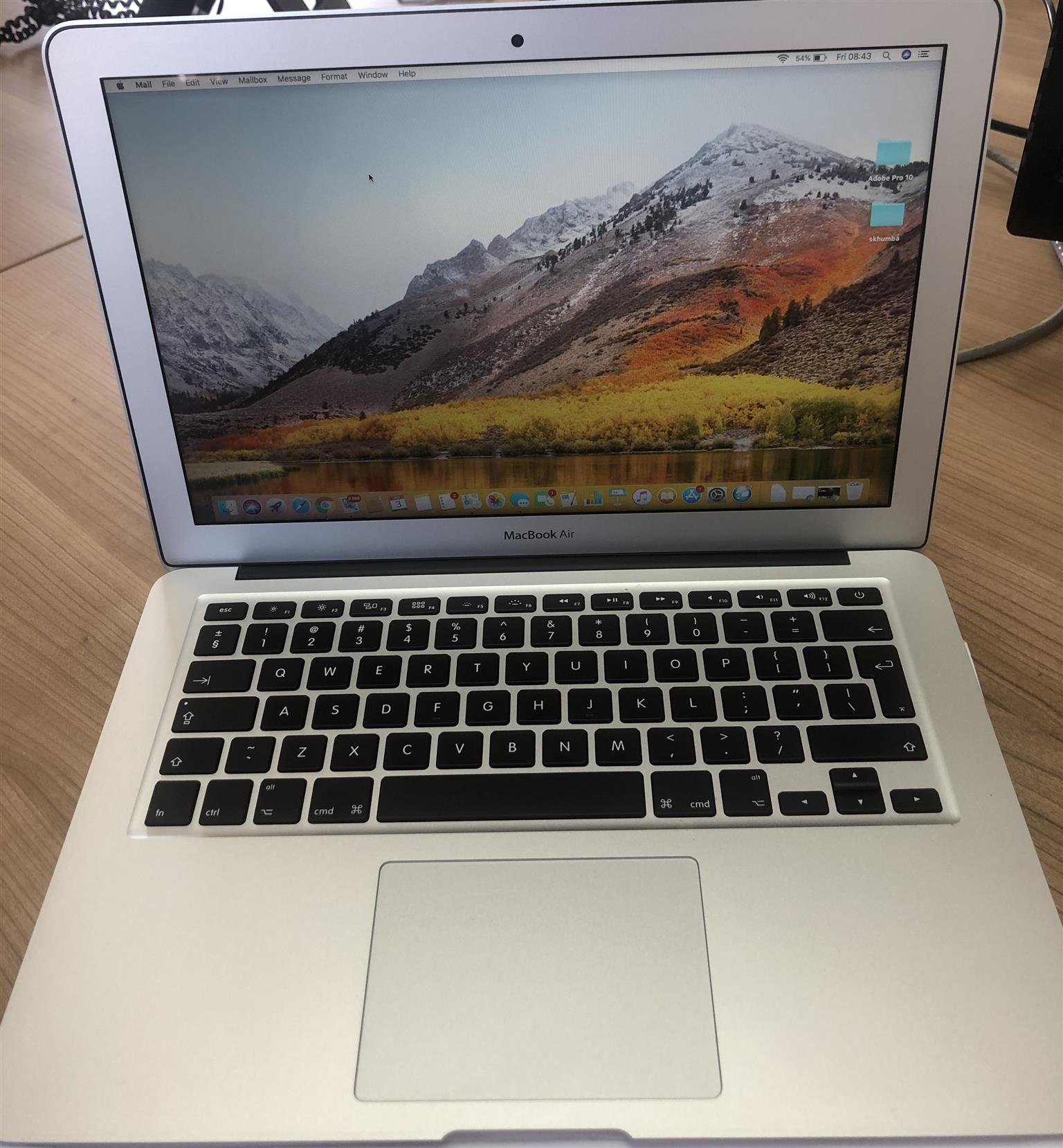 13-inch MacBook Air 1.8GHz dual-core Intel Core i5 128GB,memory 8GB, including charger.