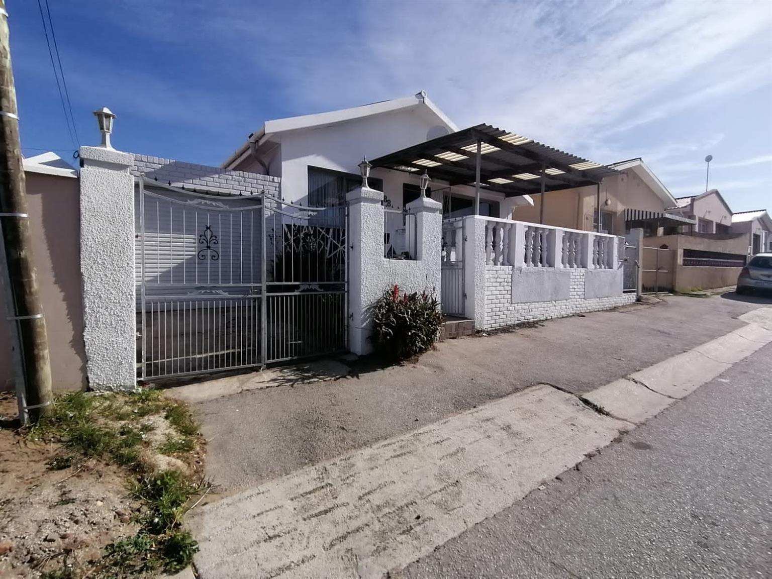 House For Sale in Malabar