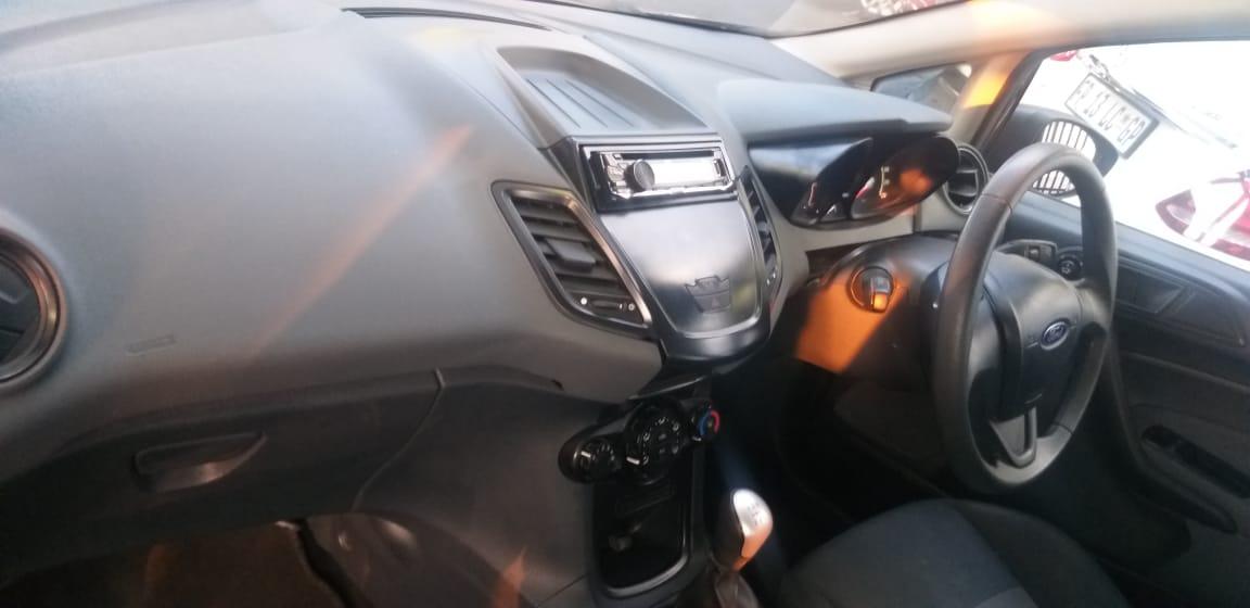 2010 Ford Fiesta 5 door 1.4 Ambiente (aircon+audio)