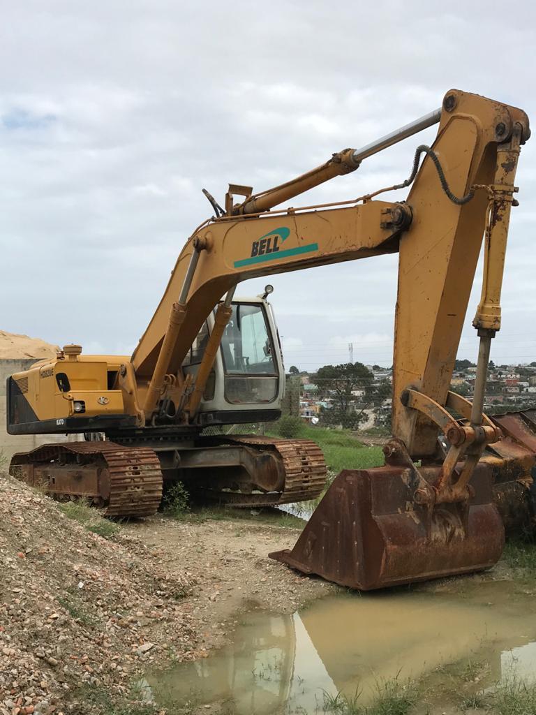 Bell HD820E Excavator