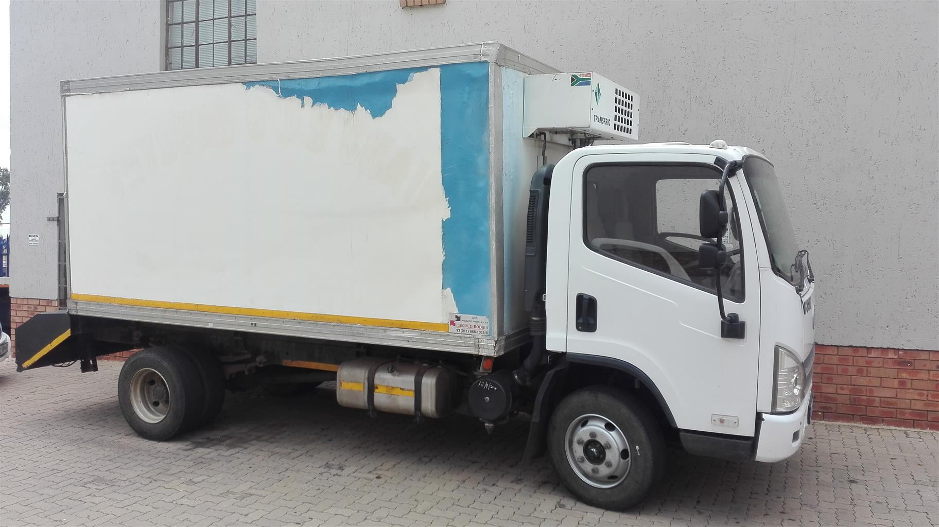 2015 FAW  8-140 ,5 Ton Refrigerated  Truck