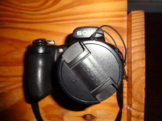 SONY DSC - HX 1 as New Cond. with Bag and Spare Battery