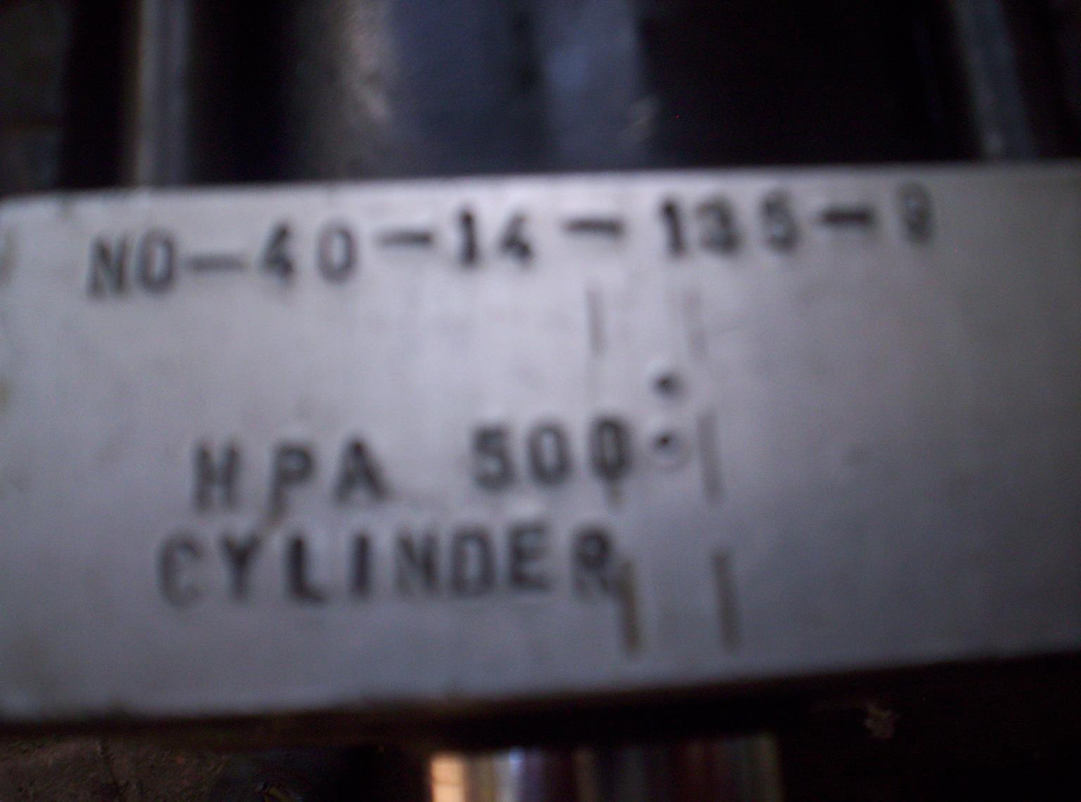 Hydraulic cylinders  plus 2 x valve cartridges