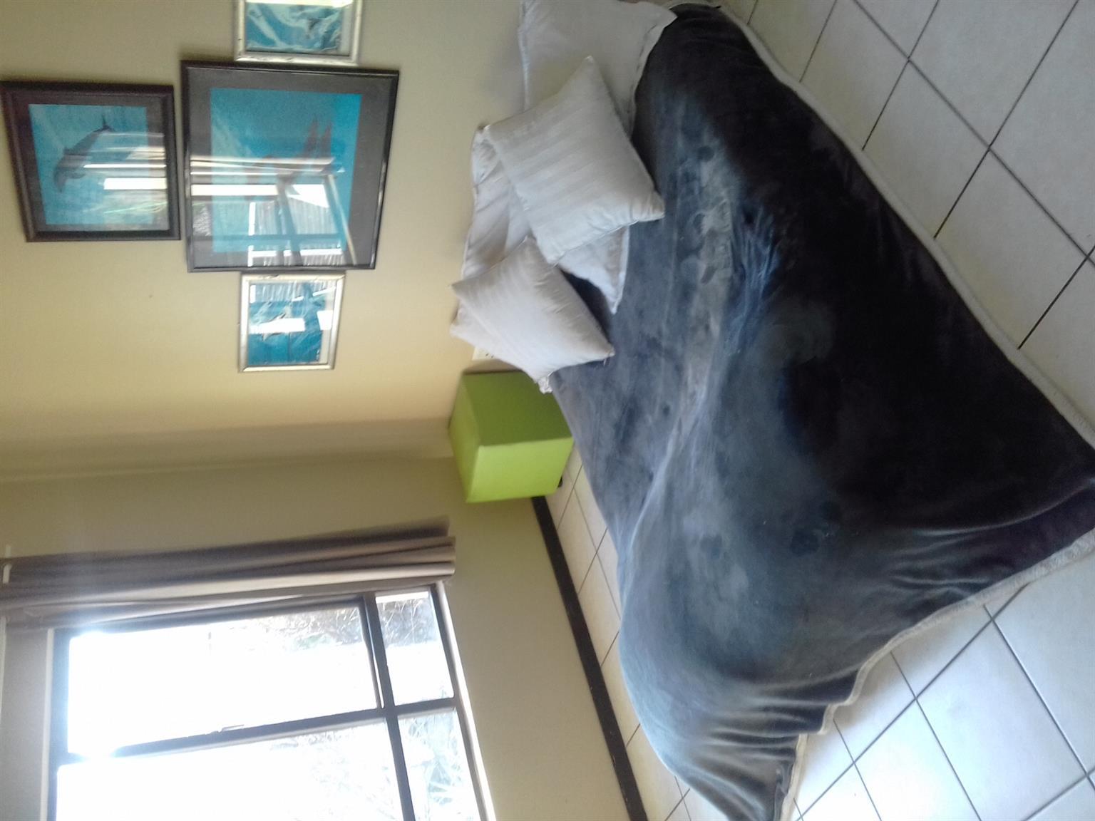 LONEHILL LUXURY LOFTS - 1 Bed loft.