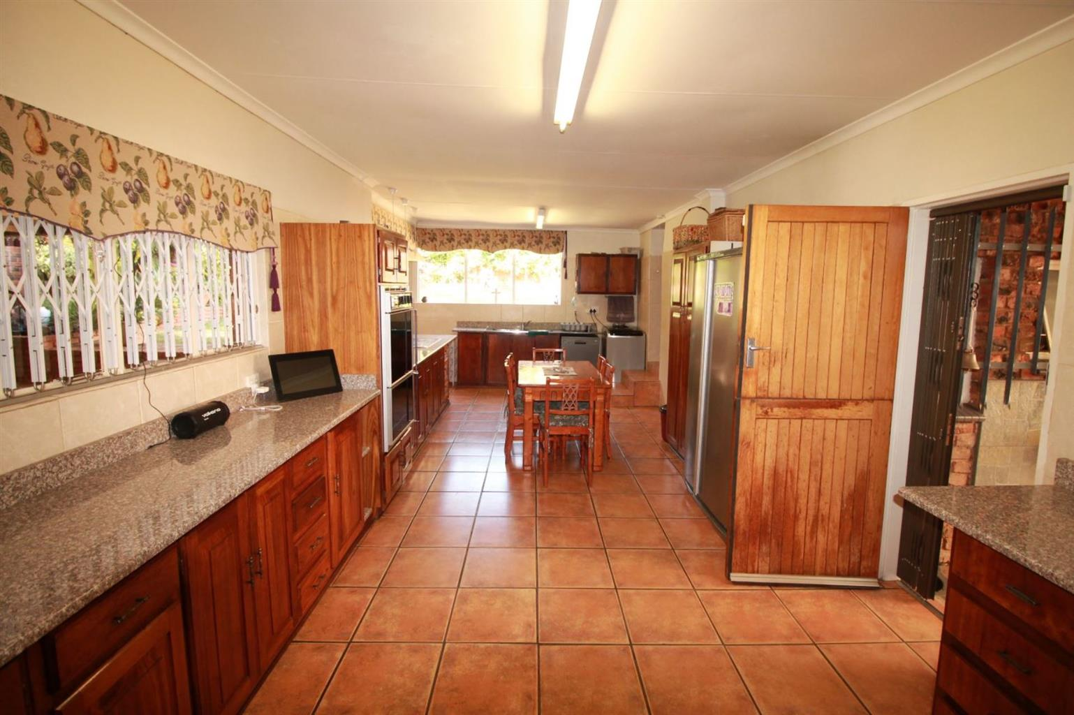 House For Sale in FLORAUNA