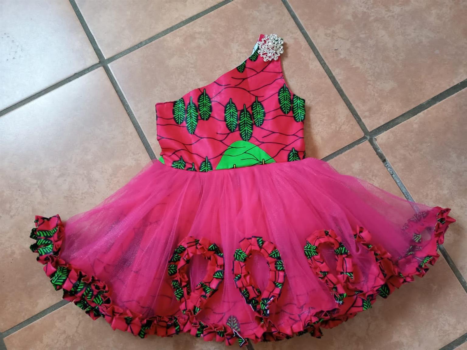 SHANIQUA CLOTHING KIDS DRESSES!!!!