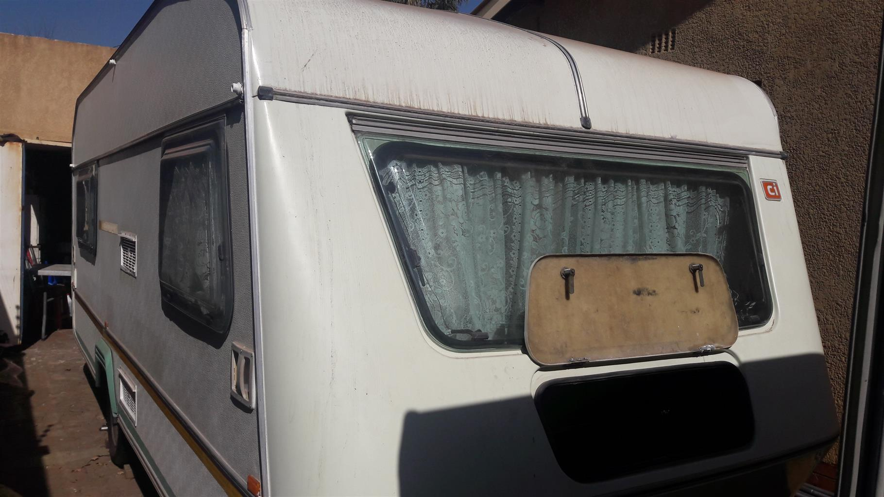 1988 GYPSEY 4 B WITH FULL TENT AND RALLY TENT IN EXCELLENT CONDITION MUST BE SEE