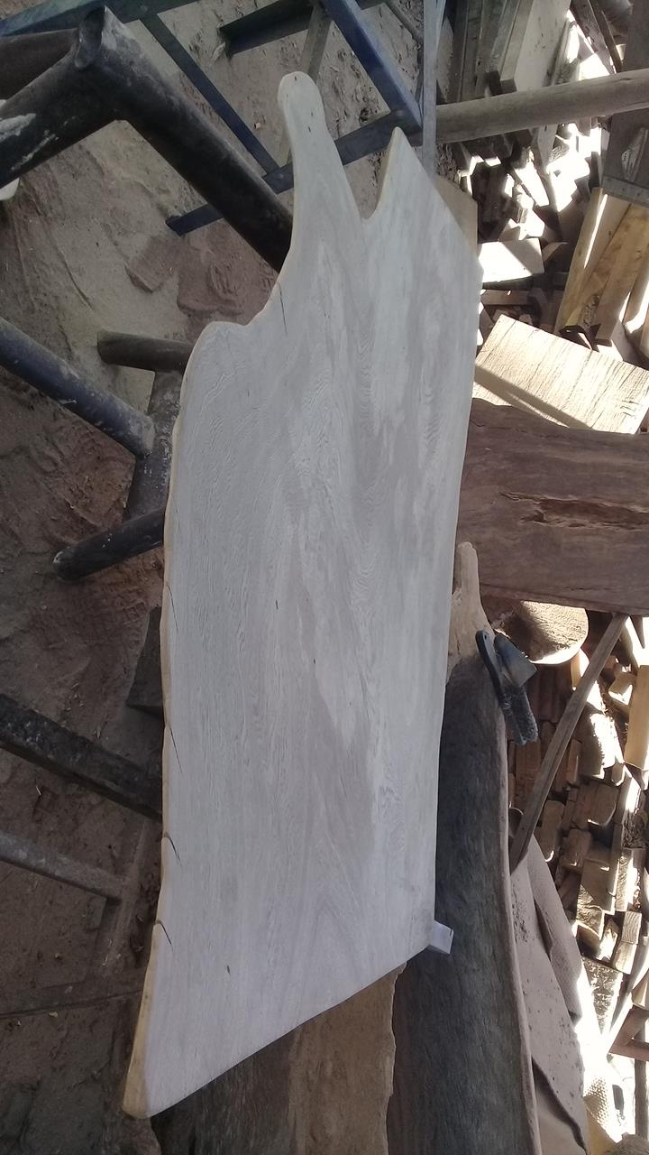 LIVE EDGE SLABS, DISKS AND FURNITURE