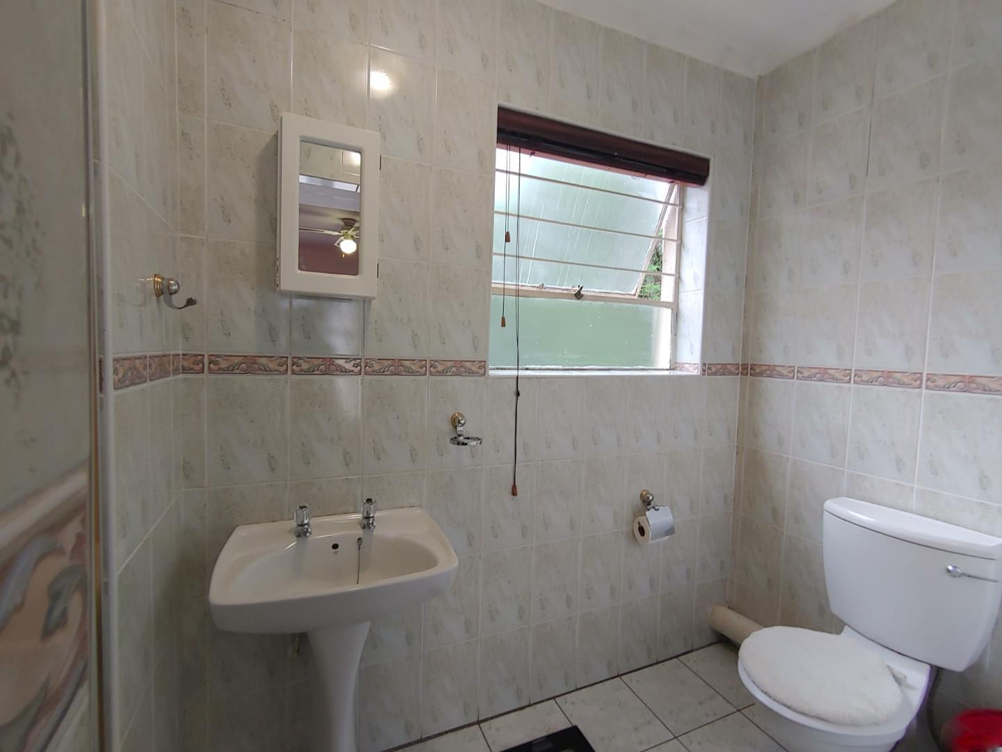 Townhouse For Sale in Radiokop