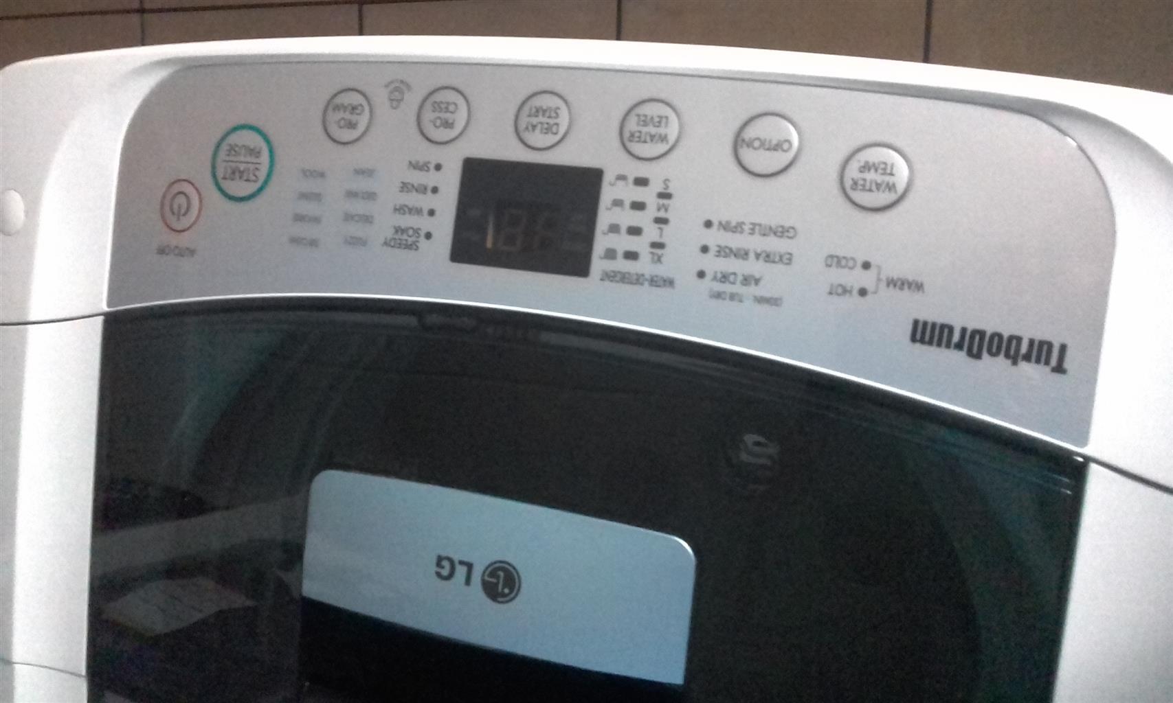 LG fuzzy logic washing machine 8.2kgs