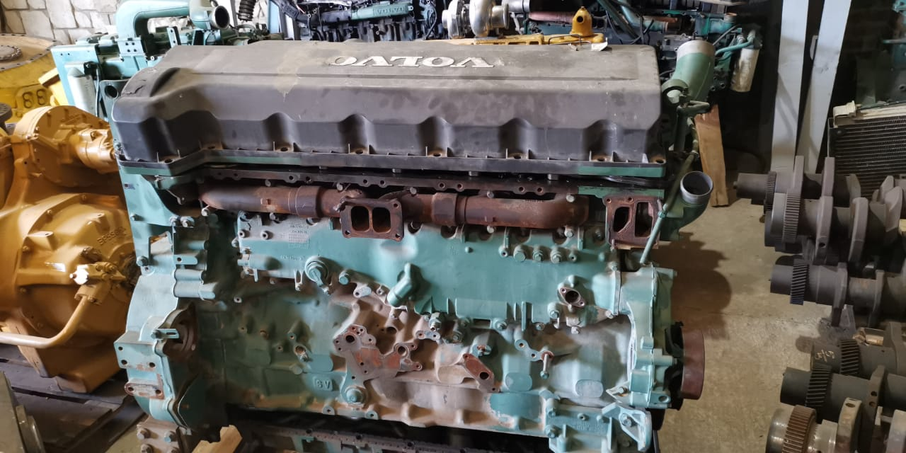 Volvo engines D13 stripping