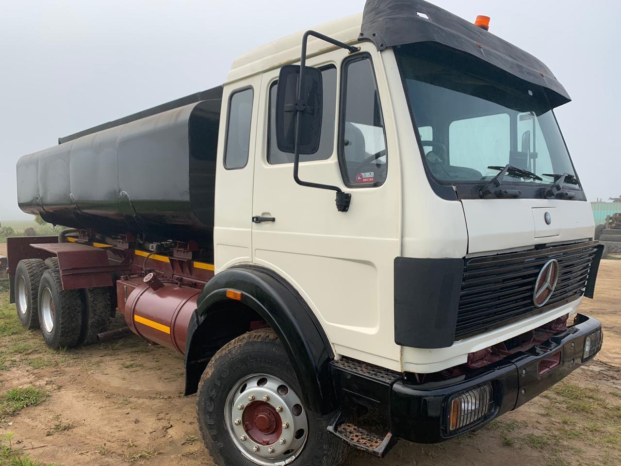 Mercedes Benz 16000l Water Truck (water tanker)