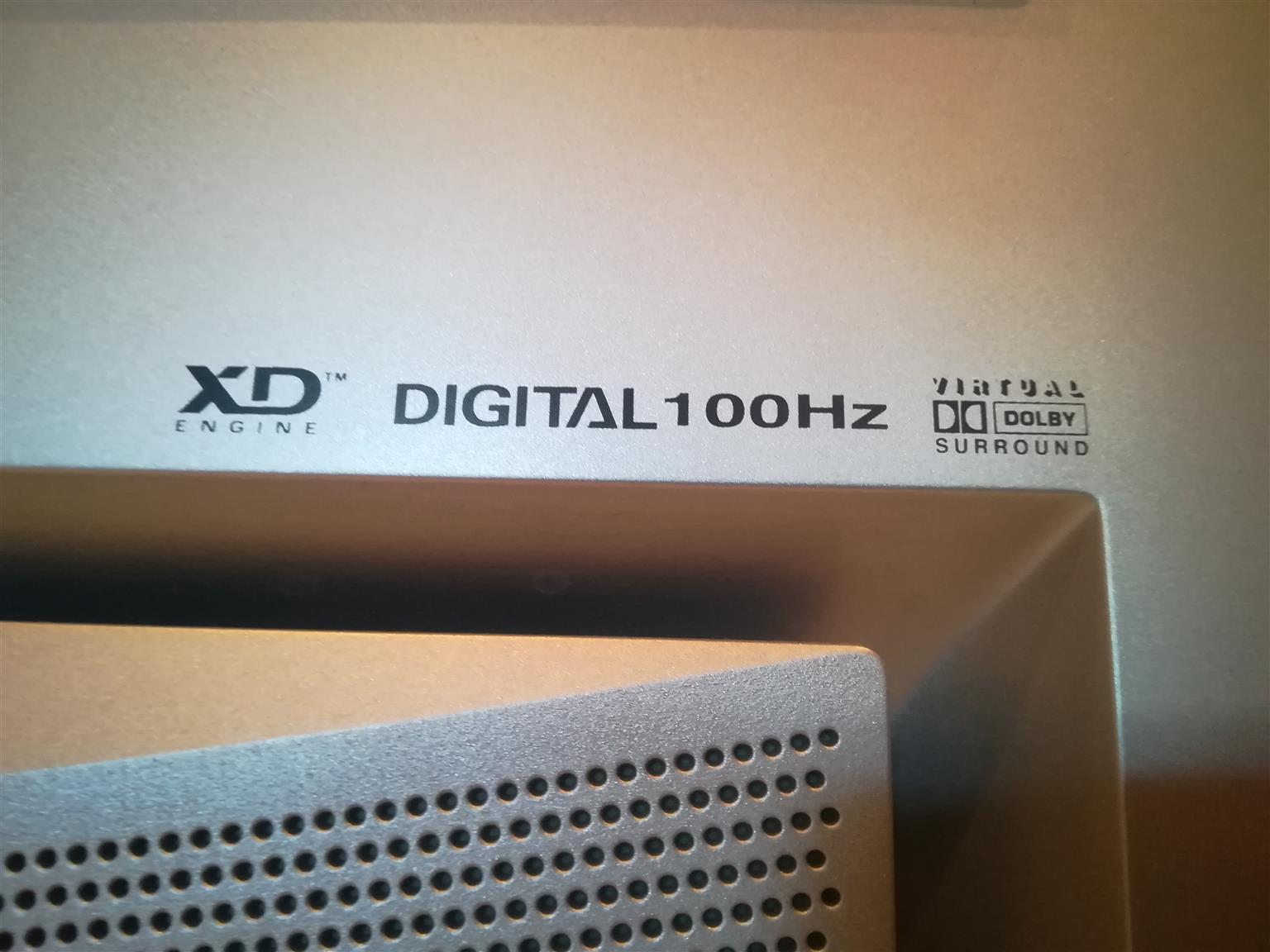 Large LG XD Engine Digital 100Hz