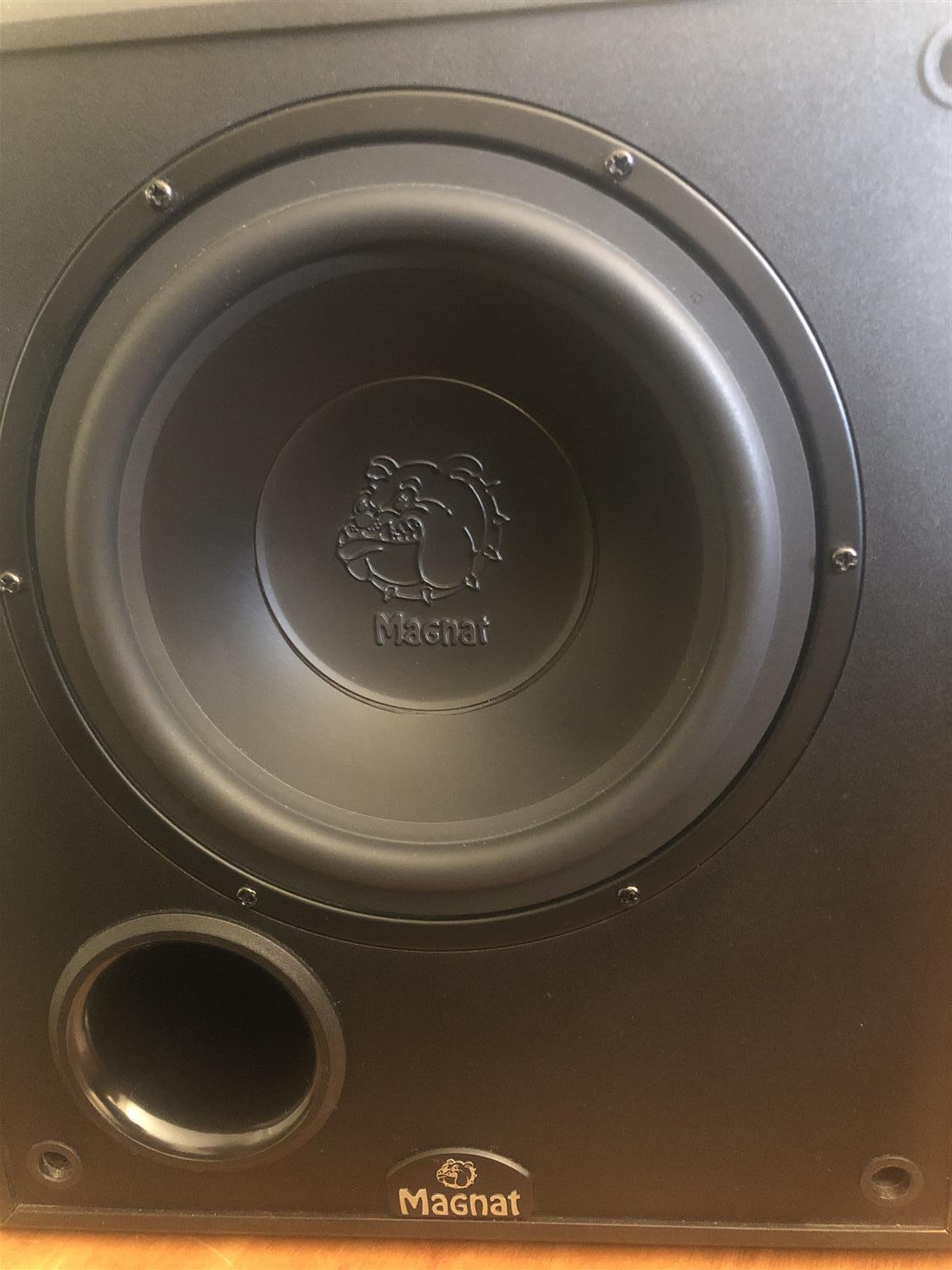 8 inch MAGNAT powered sub woofer