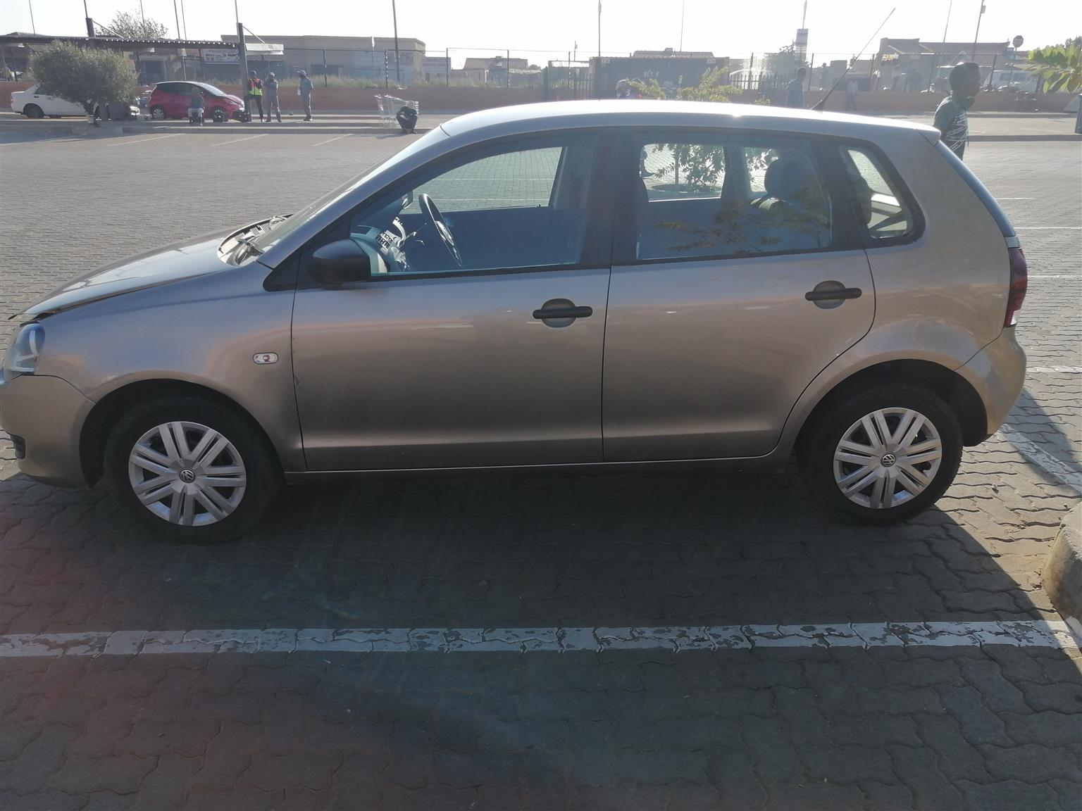 Polo Vivo 2016, 1.4 with 73000km,papers in order is daily runner