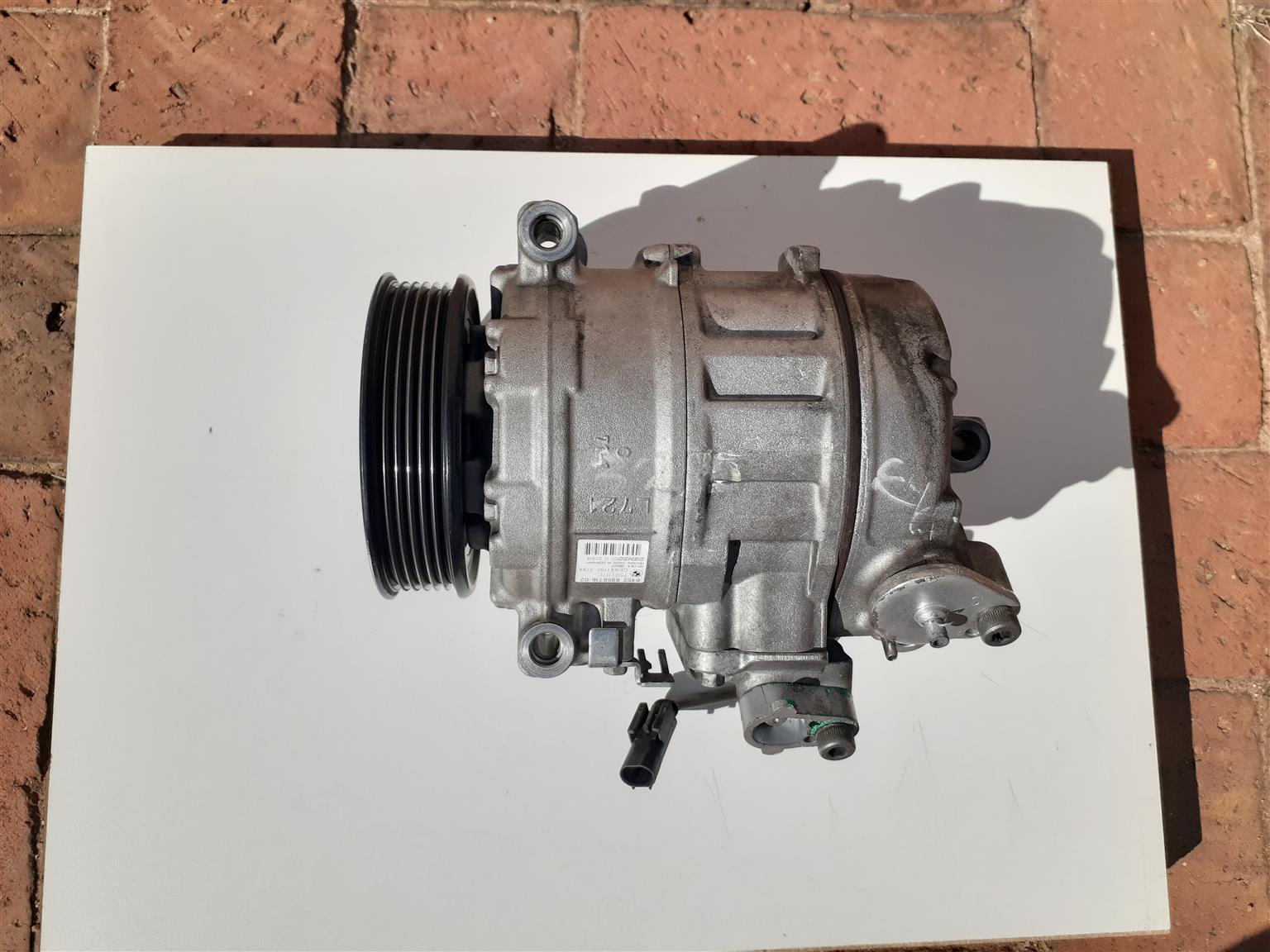 BMW e90  Airconditioner motor/ compressor
