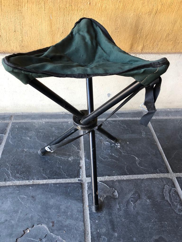 Camping tripod stool in handy carry bag-take it anywhere!