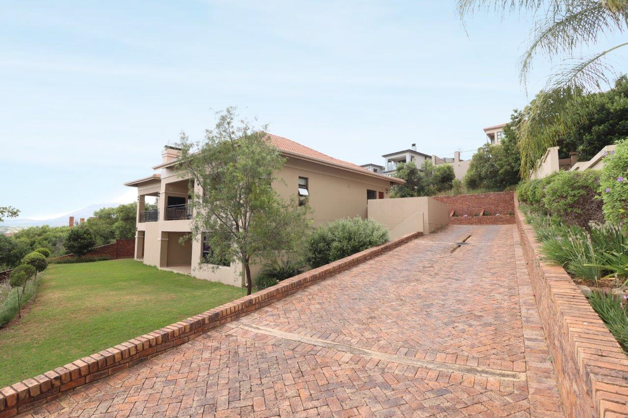 House For Sale in Hartebeespoort A H