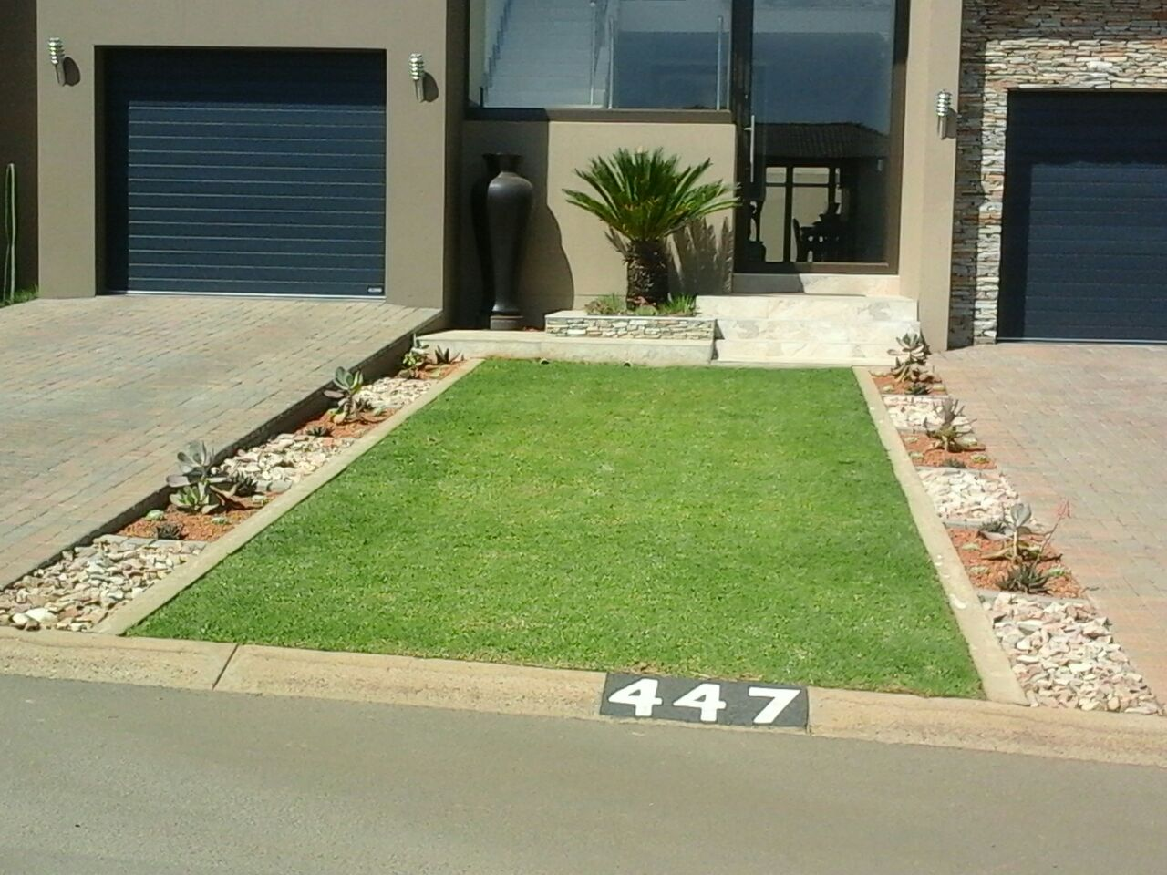 TOP QUALITY INSTANT LAWN & LANDSCAPING @ BEST PRICES.