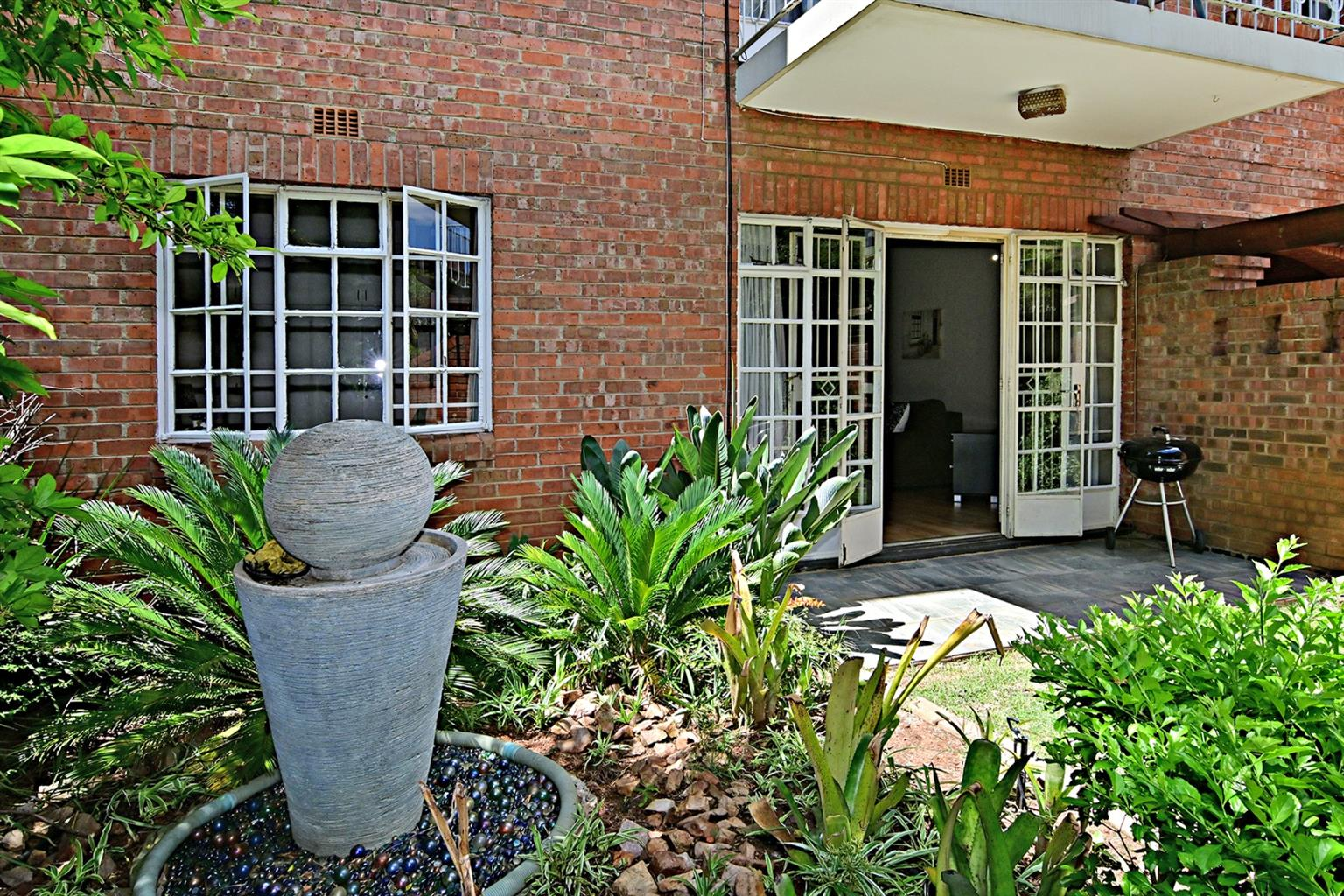 Apartment For Sale in Woodmead