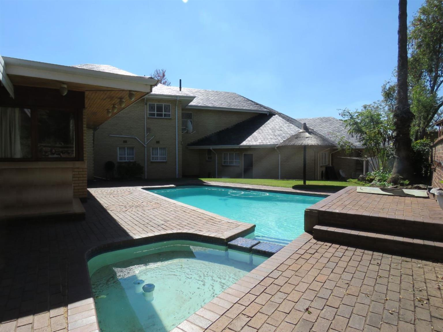 House For Sale in MOREHILL & EXT