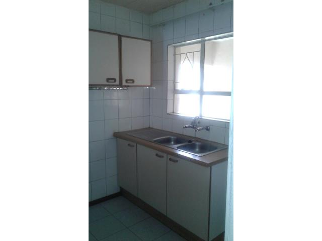 Vacant 2 Bedroom Apartment in Florida Cabanas in Florida behind Shoprite for R550 000