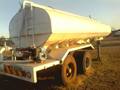 IMMACULATE WATER TANKER AT AFFORDABLE PRICE
