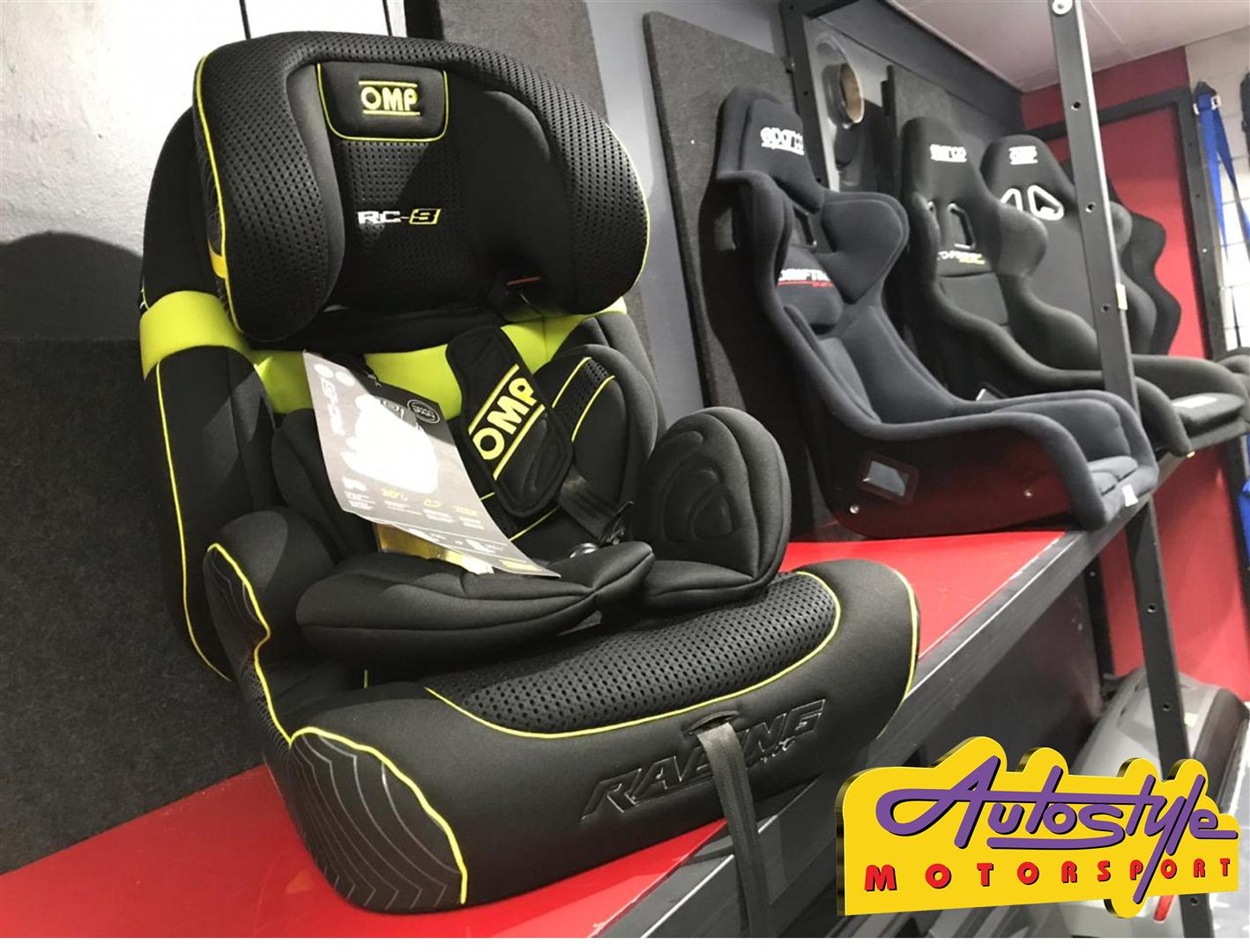 OMP racing look Child seat group 1, 2 and 3 from 9 to 36 kg.