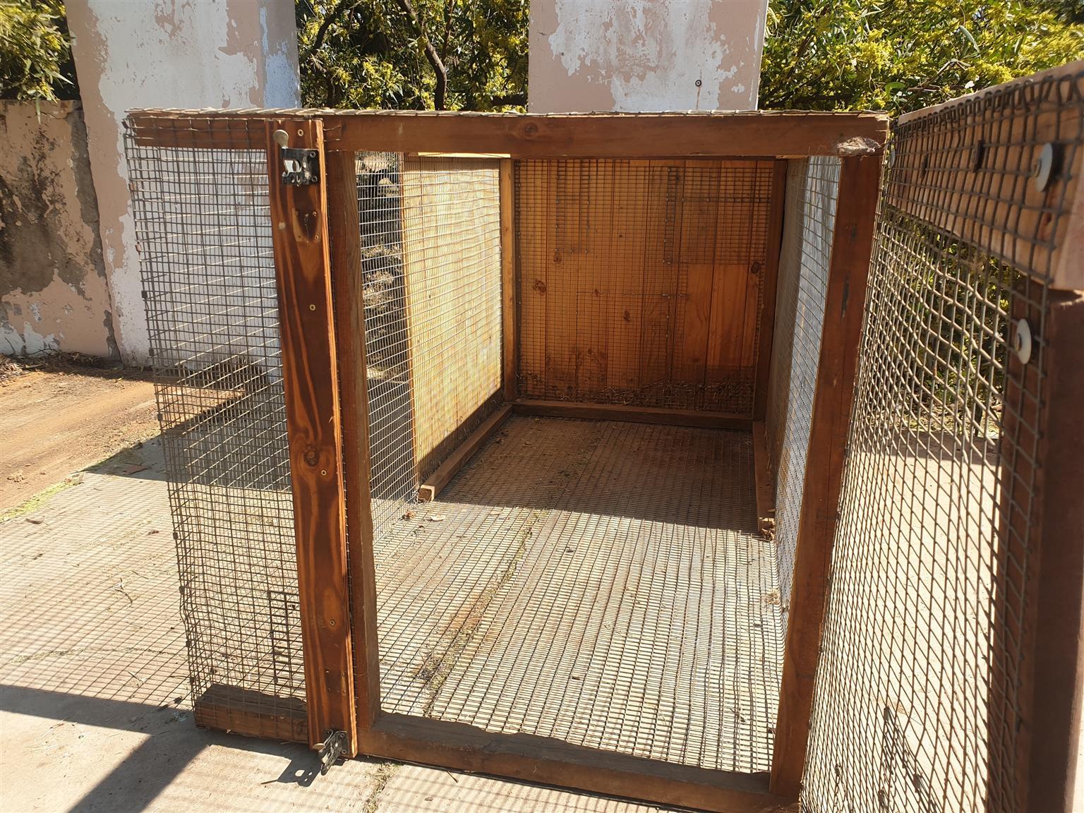 Mesh pet cages