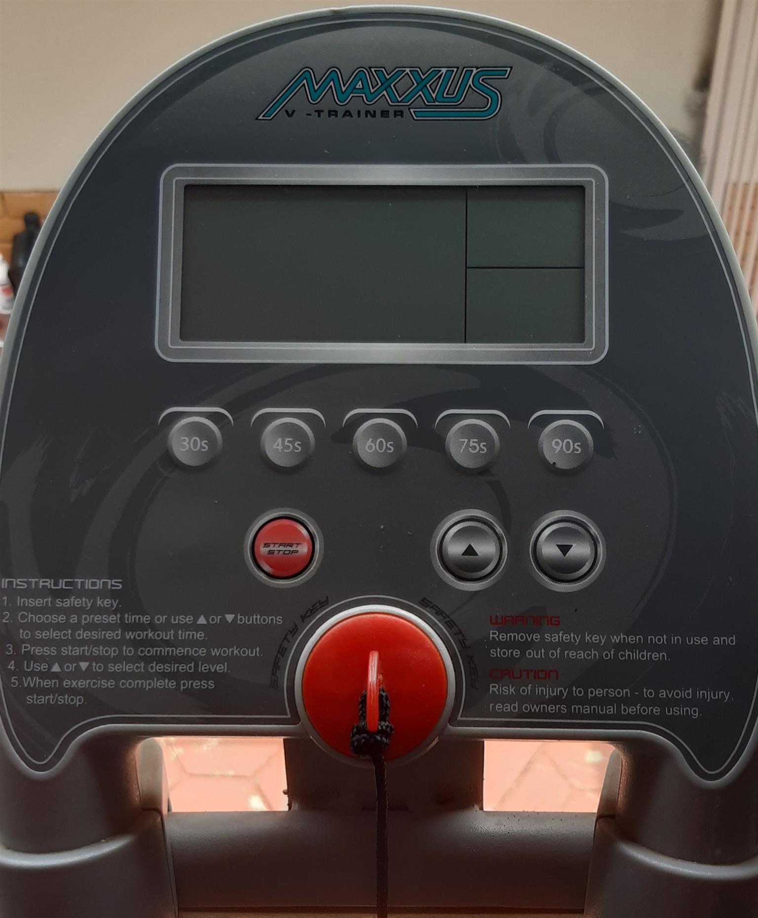 Maxxus V vibrator trainer