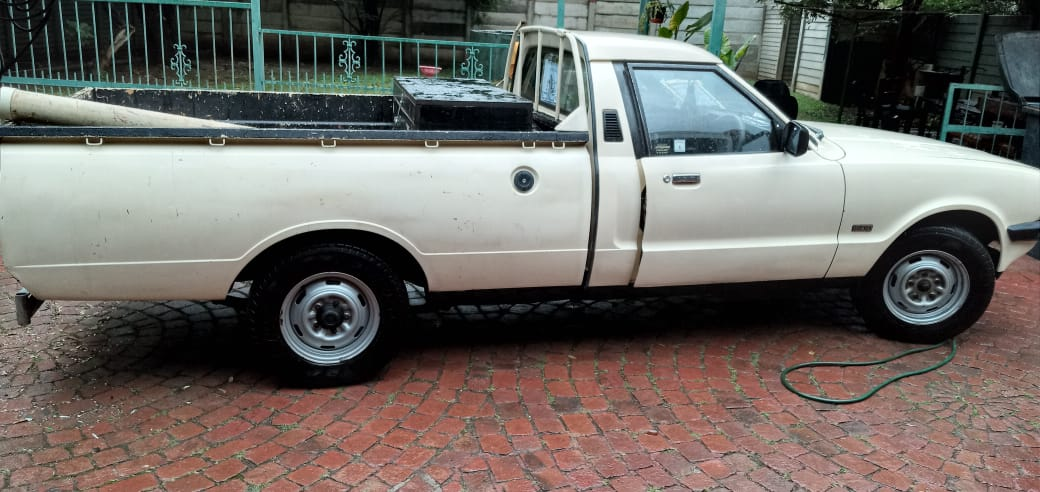 1984 Ford Cortina bakkie for sale with a 1600 Kent motor. License is up to date