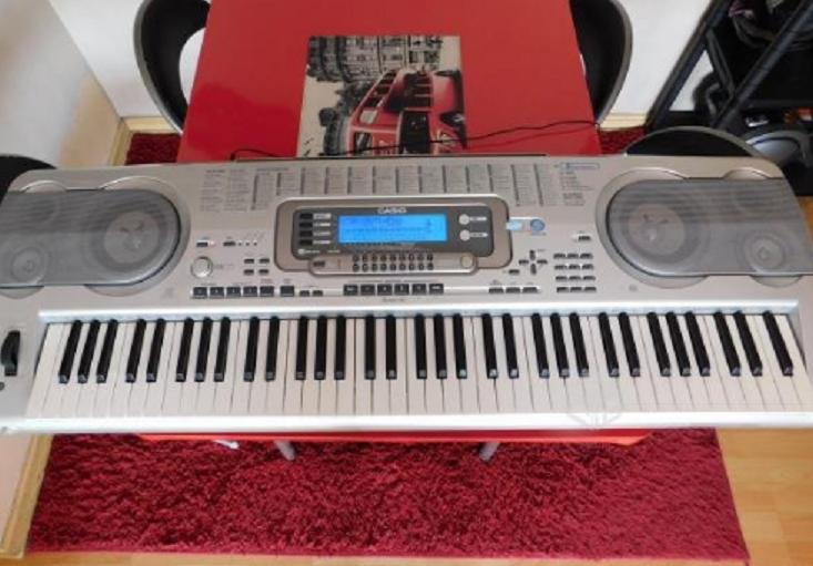Electronic Keyboard 76 Key Casio workstation