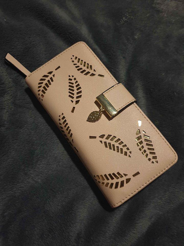 Beautiful ladies leaf purses