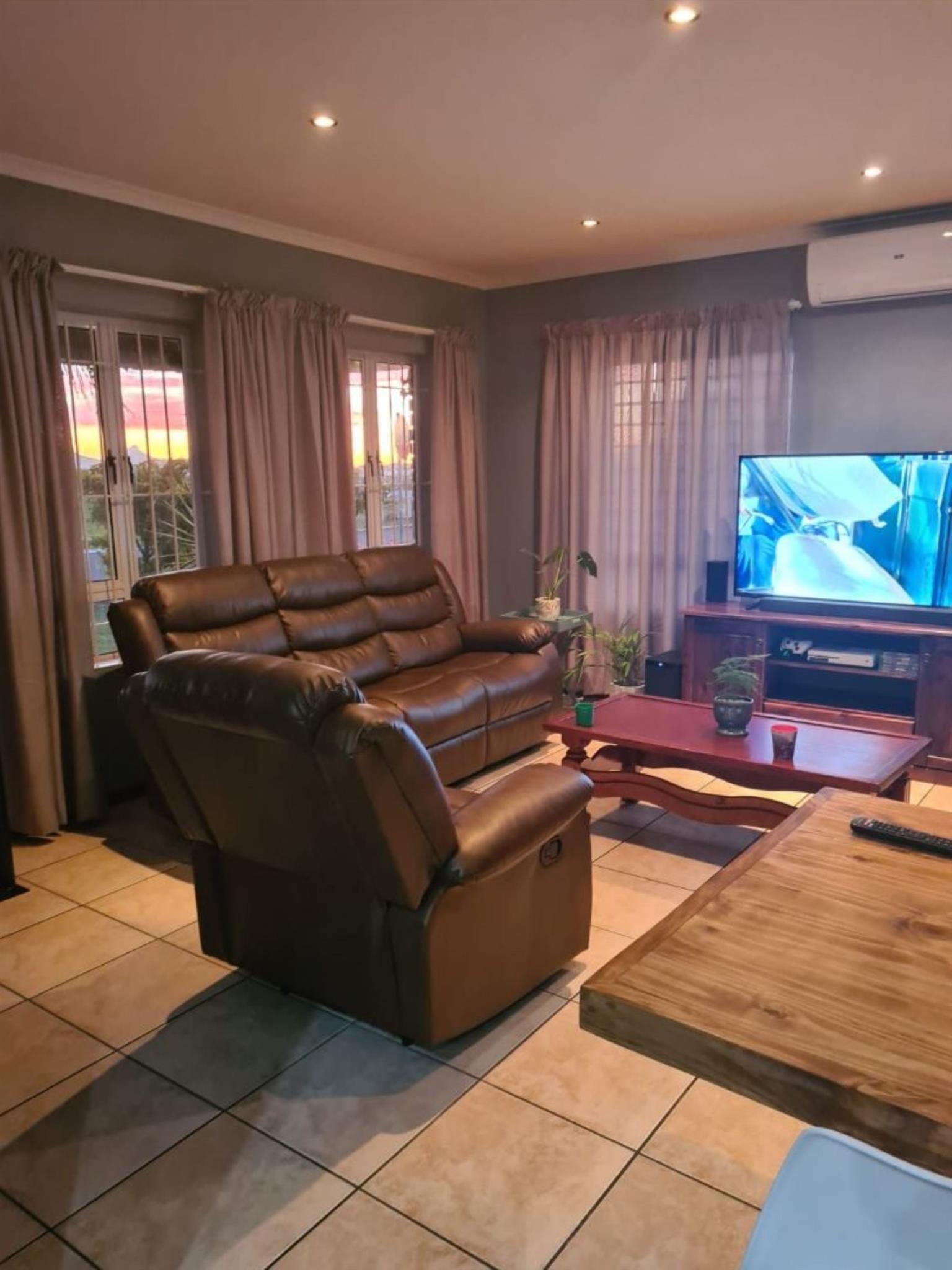 House Rental Monthly in Jacarandas