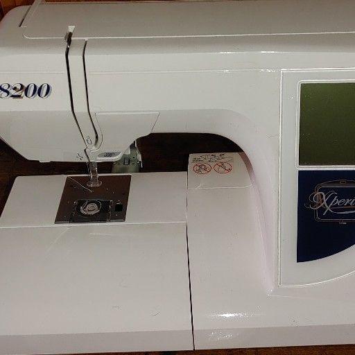 Elna 8200 Embroidery machine