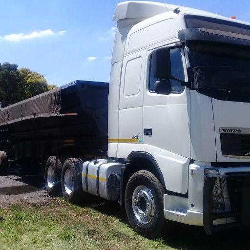 Truck rental service hire