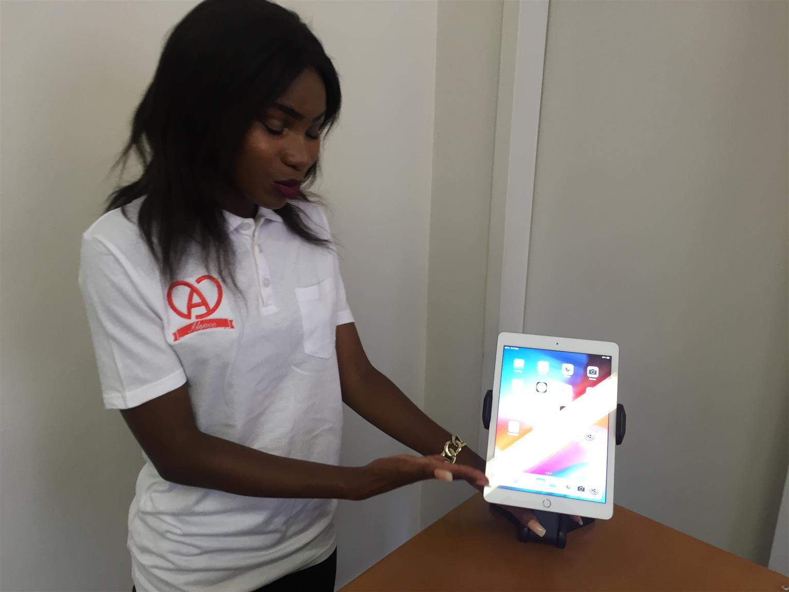 ☆ APPLE™ iPADS ☆ ALSACE'S PreOWNED UNITS ☆