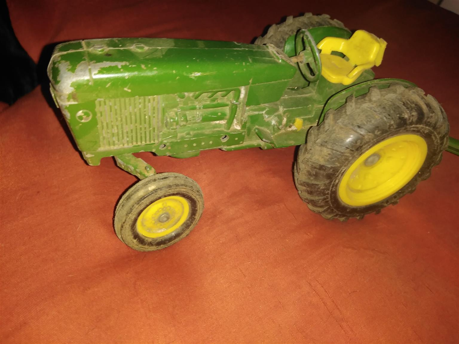 John Dere model tractor and trailer