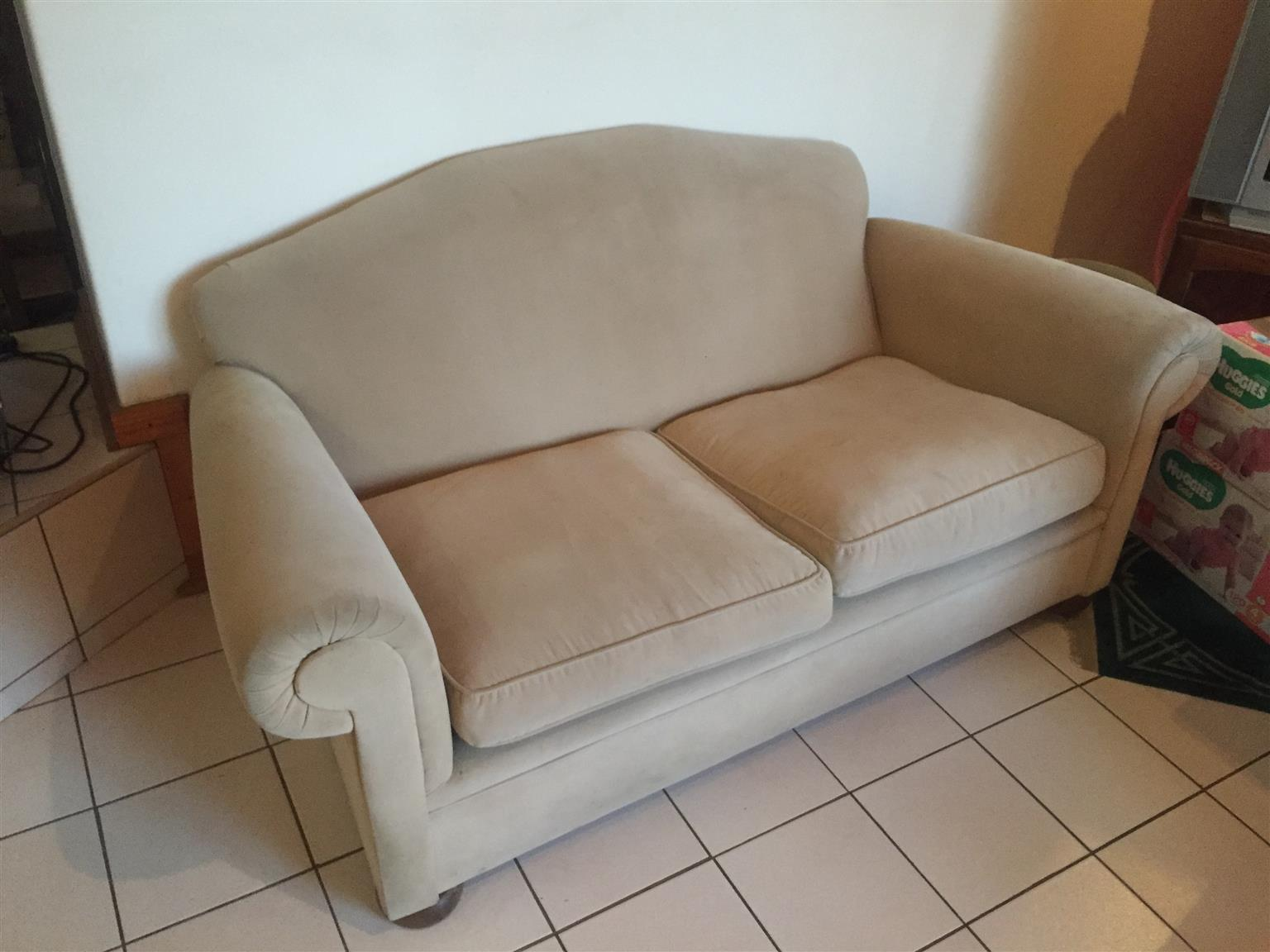 2 Seater Couch Set Junk Mail