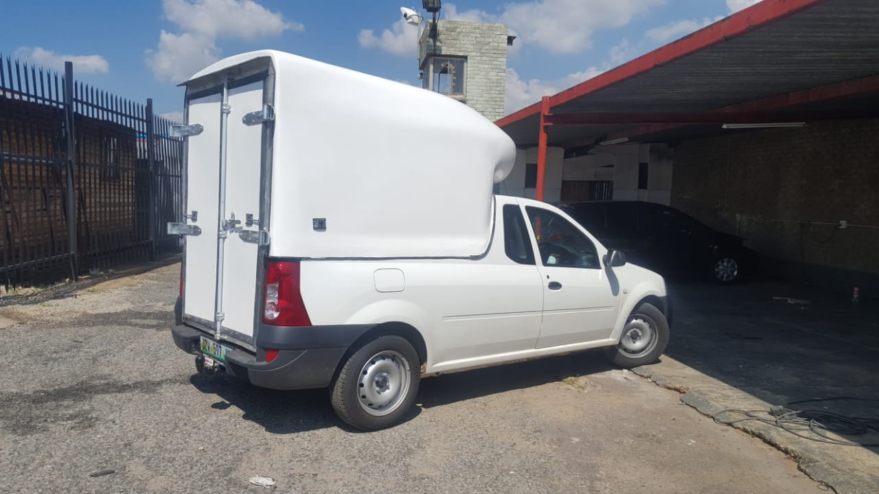 BRAND NEW NISSAN NP200 SPACE SAVER/COURIER BAKKIE CANOPY FOR SALE!!!!!
