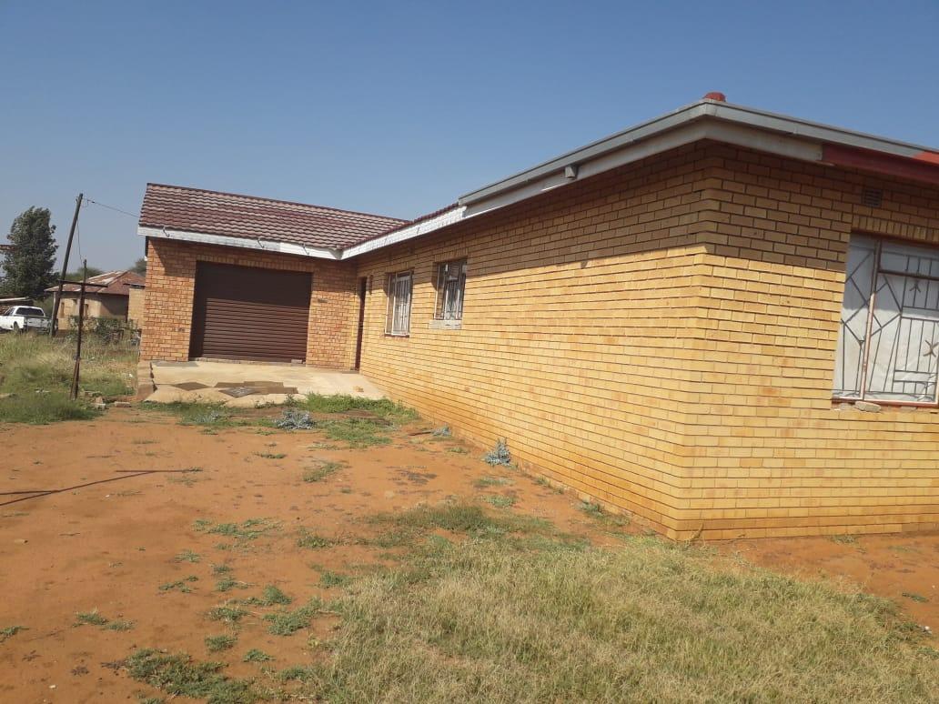 Big 3bed house in hammaskraal makapane
