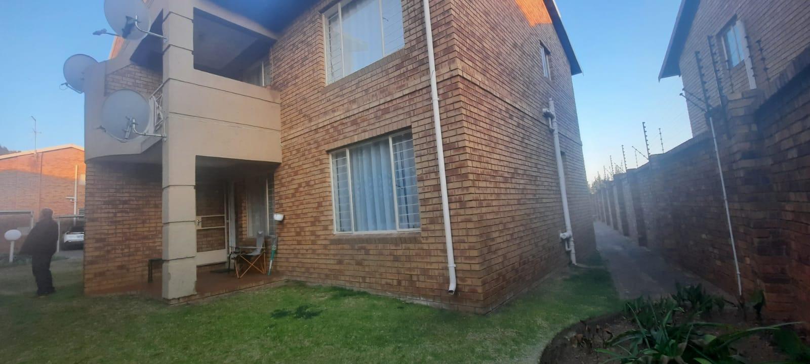 House For Sale in Kenleaf