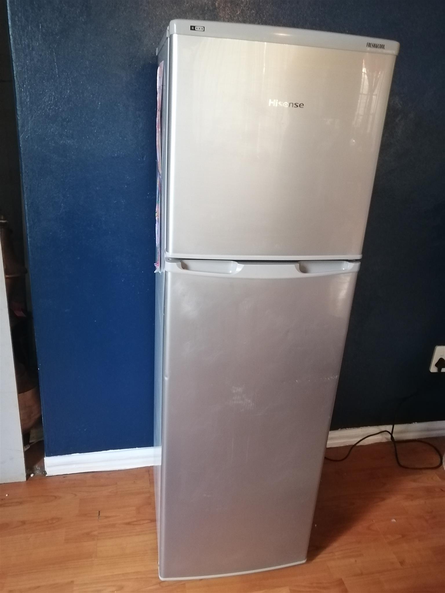 Hisense 161L Top Freezer Fridge