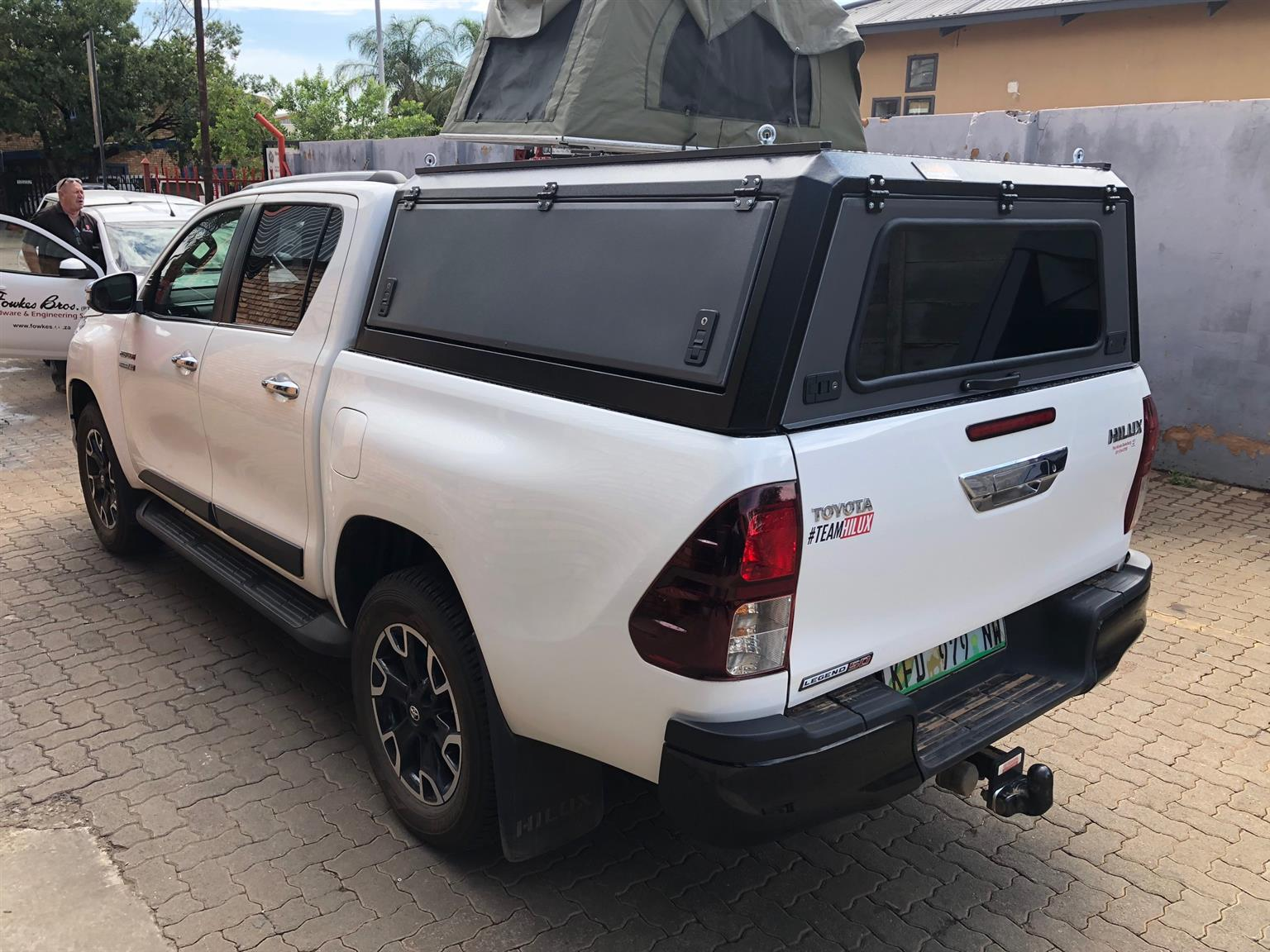 New Custom Leisure Tech ALU/Steel canopy for a Toyota Hilux D/Cab