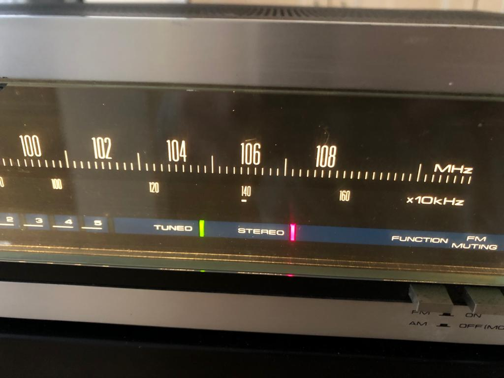 Vintage Analogue Pioneer TX-520 AM/FM Stereo tuner